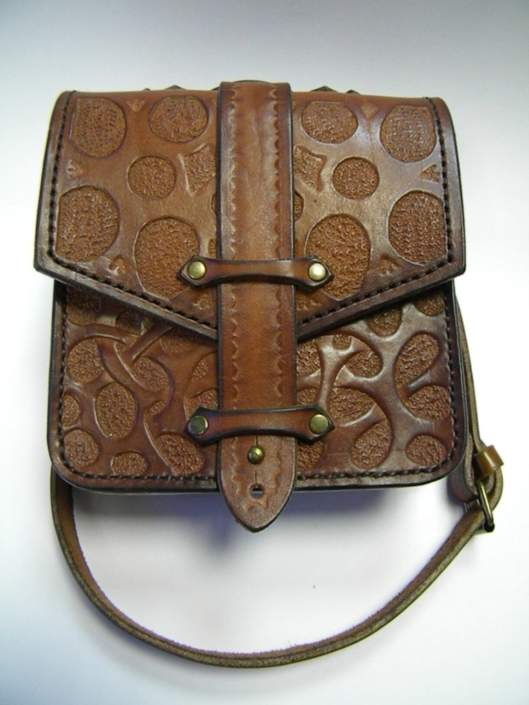 Кожаные сумки на бедро