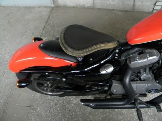 Седло-лягушка на Harley Sportster