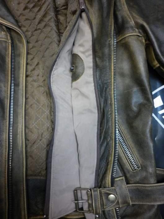 Кожаная куртка с мехом и эффектом искусственного старения