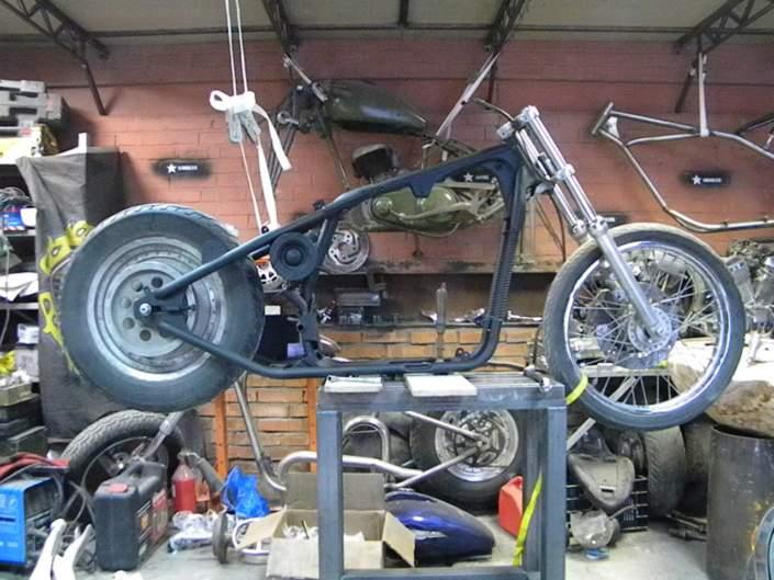 Рама на боббер из Harley Davidson
